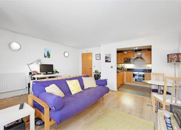 Thumbnail 1 bed flat to rent in Gainsborough House, Canary Wharf