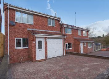 Thumbnail 3 bed detached house for sale in Hastings Road, Swadlincote