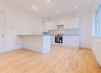 3 bed flat for sale in Whitworth Road, London SE25