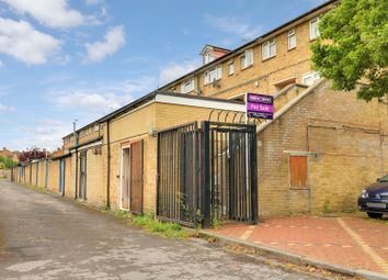 Thumbnail 3 bed flat for sale in Westlands Drive, Oxford