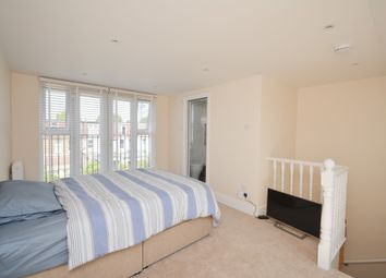 Room to rent in Chesham Terrace, West Ealing W13