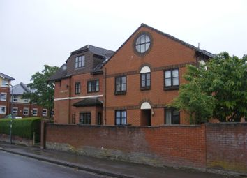 Thumbnail 1 bed flat to rent in Hill Lane, Shirley, Southampton