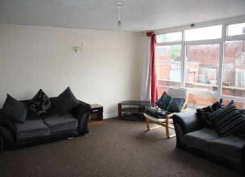 2 bed flat to rent in Warstones Drive, Penn, Wolverhampton WV4