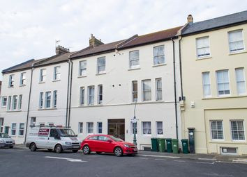 Thumbnail 1 bed flat to rent in Westbourne Place, Hove