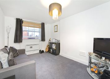Thumbnail 1 bed flat to rent in Upper Street, London