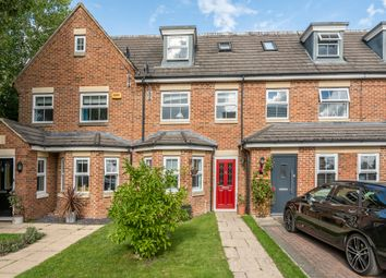 Thumbnail 4 bed town house for sale in Stratford Close, Aston Clinton, Aylesbury