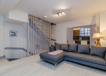 Thumbnail 6 bed terraced house to rent in Rope Street, London