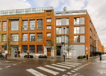 Thumbnail 1 bed flat to rent in Richmond Road, Hackney