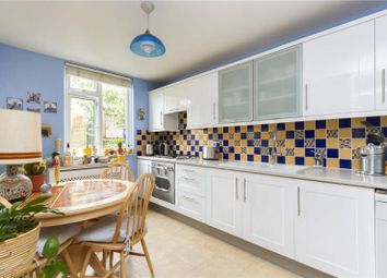 Thumbnail 3 bed property to rent in Battersea Bridge Road, London
