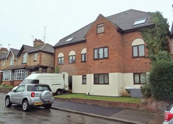 Thumbnail 2 bedroom flat to rent in Kingsley House, Luton
