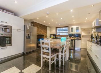 Thumbnail 4 bedroom property for sale in Portsea Place, Hyde Park Estate