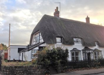 Thumbnail 3 bed cottage to rent in London Road, Marlborough
