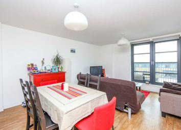 1 bed flat for sale in Commercial Road, London E14