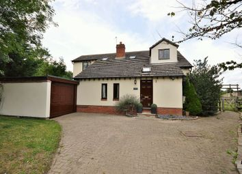 Thumbnail 3 bed detached house for sale in Oxford Road, Tiddington, Thame
