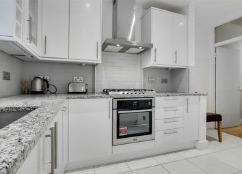 3 bed maisonette to rent in Deacon Road, Willesden, London NW2