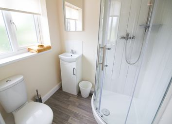 Thumbnail 5 bedroom shared accommodation to rent in Wellingotn Grove, Bentley