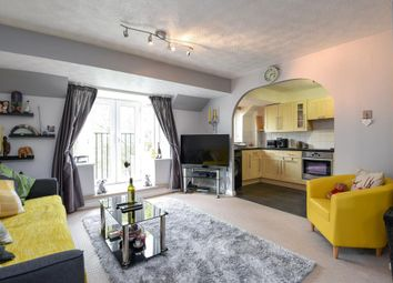 Thumbnail 2 bedroom flat for sale in Longworth Close, Banbury