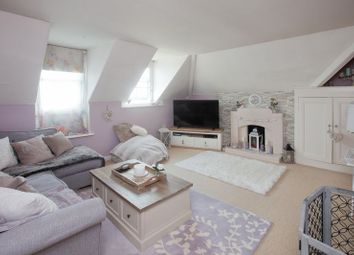 Thumbnail 2 bedroom flat for sale in High Street, Shaftesbury