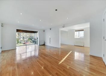 Thumbnail 3 bed flat to rent in Lancaster Drive, Nr Canary Wharf, London