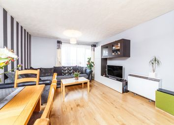 Thumbnail 2 bed flat for sale in Hampden Close, Letchworth Garden City