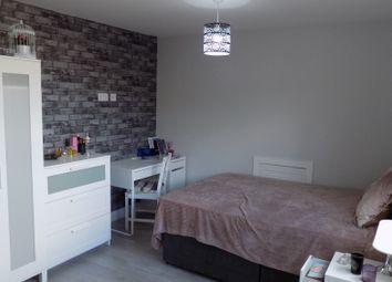 Thumbnail  End terrace house to rent in Ashburnham Road, Luton, Bedfordshire