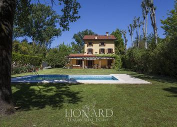 Thumbnail 4 bed villa for sale in Pietrasanta, Lucca, Toscana