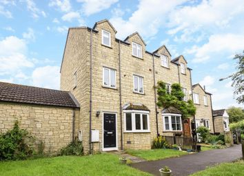Thumbnail 3 bed town house to rent in Avocet Way, Bicester
