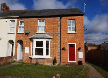 Thumbnail 2 bed maisonette for sale in Queens Road, Newbury