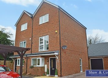 4 bed town house for sale in Hunting Place, Hounslow, Greater London TW5