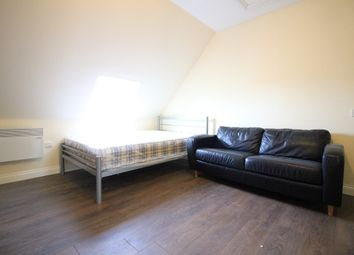 Thumbnail Studio to rent in Hatton Road, Bedfont