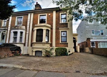 The Grove, Gravesend, Kent DA12. 5 bed semi-detached house