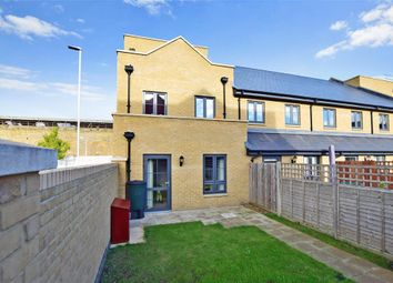 3 bed town house for sale in Samuel Peto Way, Willesborough, Ashford, Kent TN24