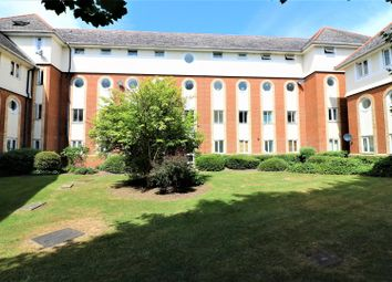 Thumbnail 2 bedroom flat for sale in Walsingham Close, Hatfield