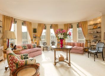 Tedworth Square, Chelsea, London SW3. 3 bed flat for sale