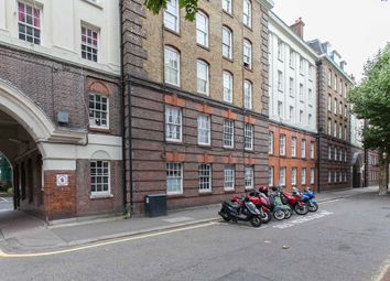 Thumbnail 3 bedroom flat to rent in Portpool Lane, London