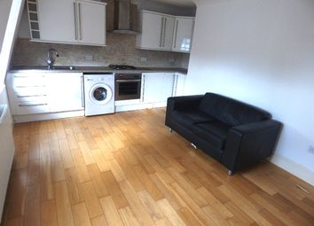 Thumbnail 1 bed flat to rent in Hewlett Road, London
