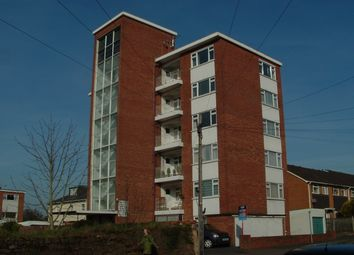 2 bed flat to rent in Barrack Road, Exeter EX2