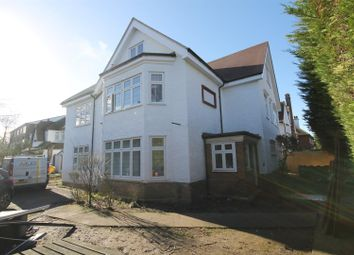 Thumbnail 3 bedroom flat for sale in Park Hill, Carshalton