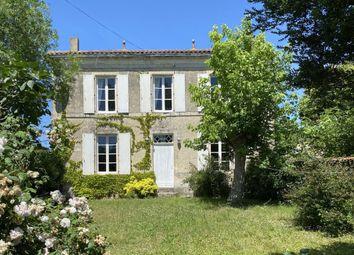 Thumbnail 4 bed property for sale in Poitou-Charentes, Charente-Maritime, Villeneuve La Comtesse