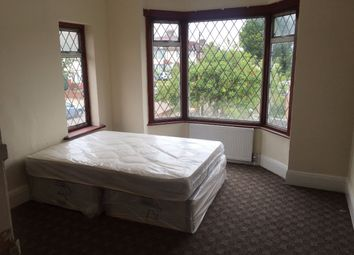 Thumbnail Room to rent in Longfield Avenue, London