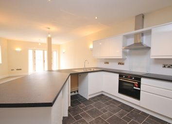 2 bed flat to rent in Queens Road, Richmond, North Yorkshire DL10