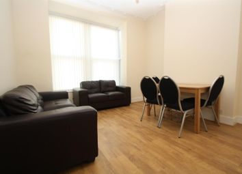 Thumbnail 2 bed flat to rent in Vale Grove, London
