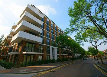 Thumbnail 2 bedroom flat for sale in Fairmont House, Maple Quays, Canada Water, London