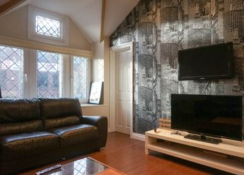 Thumbnail 2 bed flat to rent in North Lane, Leeds