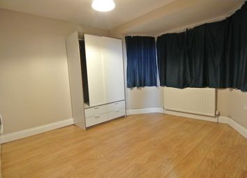 Thumbnail Studio to rent in Wakemans Hill Avenue, Colindale