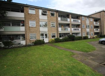 Thumbnail 2 bedroom flat for sale in Turners Hill, Cheshunt, Herts