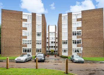 Thumbnail 3 bed flat to rent in Chilton Court, Station Avenue, Surrey