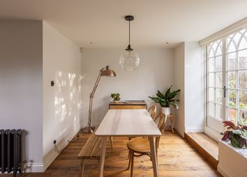 Cloisters Court, Cromwell Avenue, London N6. 2 bed flat for sale