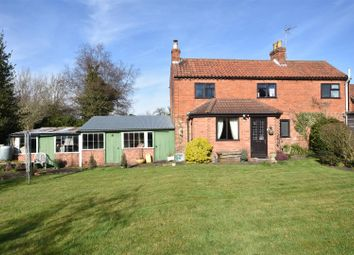 Thumbnail 4 bed cottage for sale in South End, Collingham, Newark