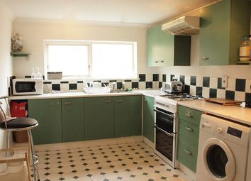 Thumbnail 2 bed flat to rent in Elm Park, London